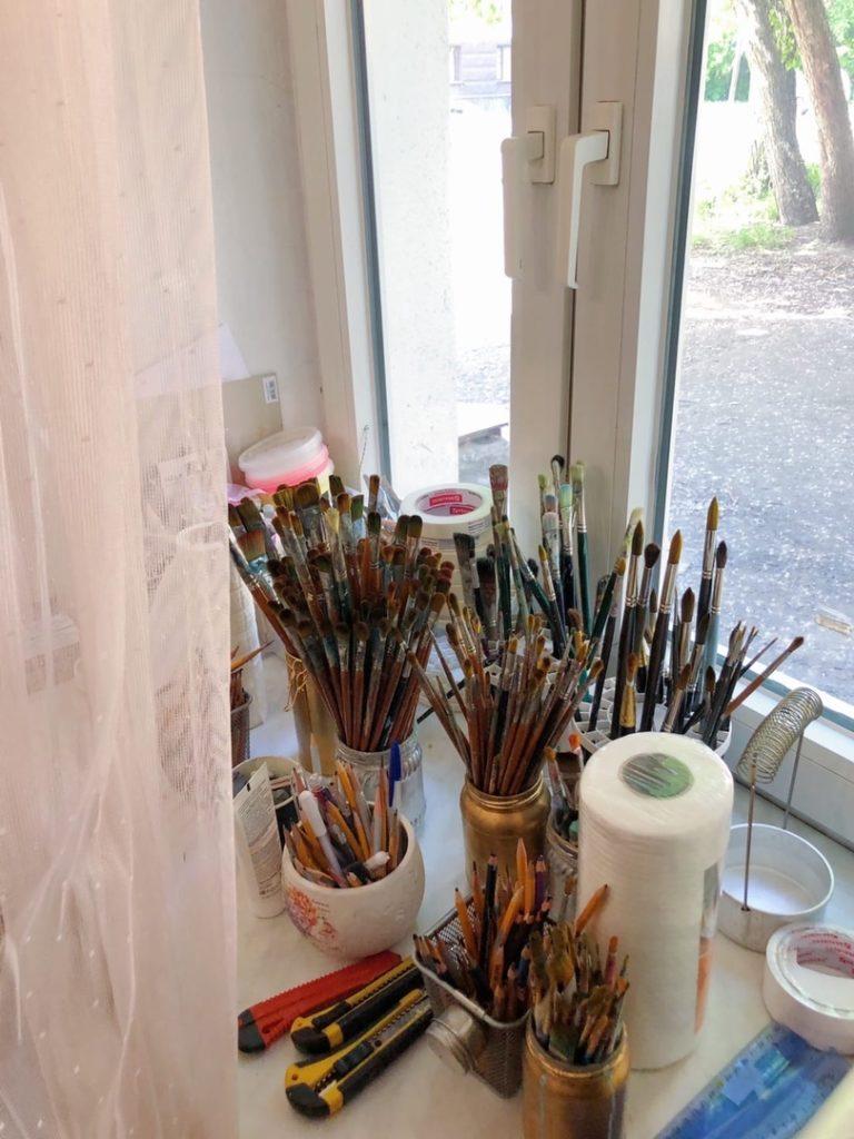Как хранить кисти для рисования - фото