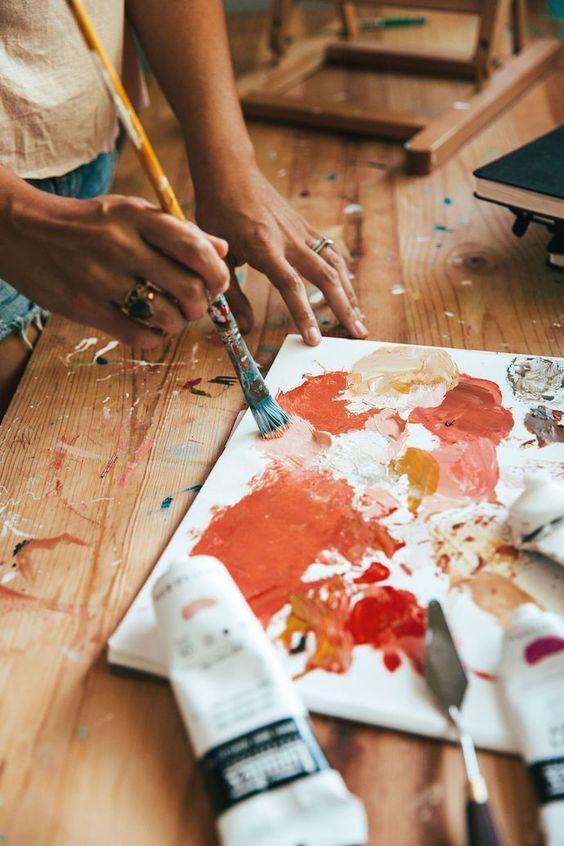 Убрать краски с холста - фото