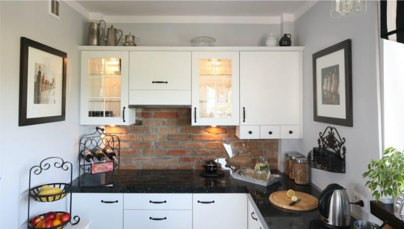 Какую картину повесить на кухне - фото