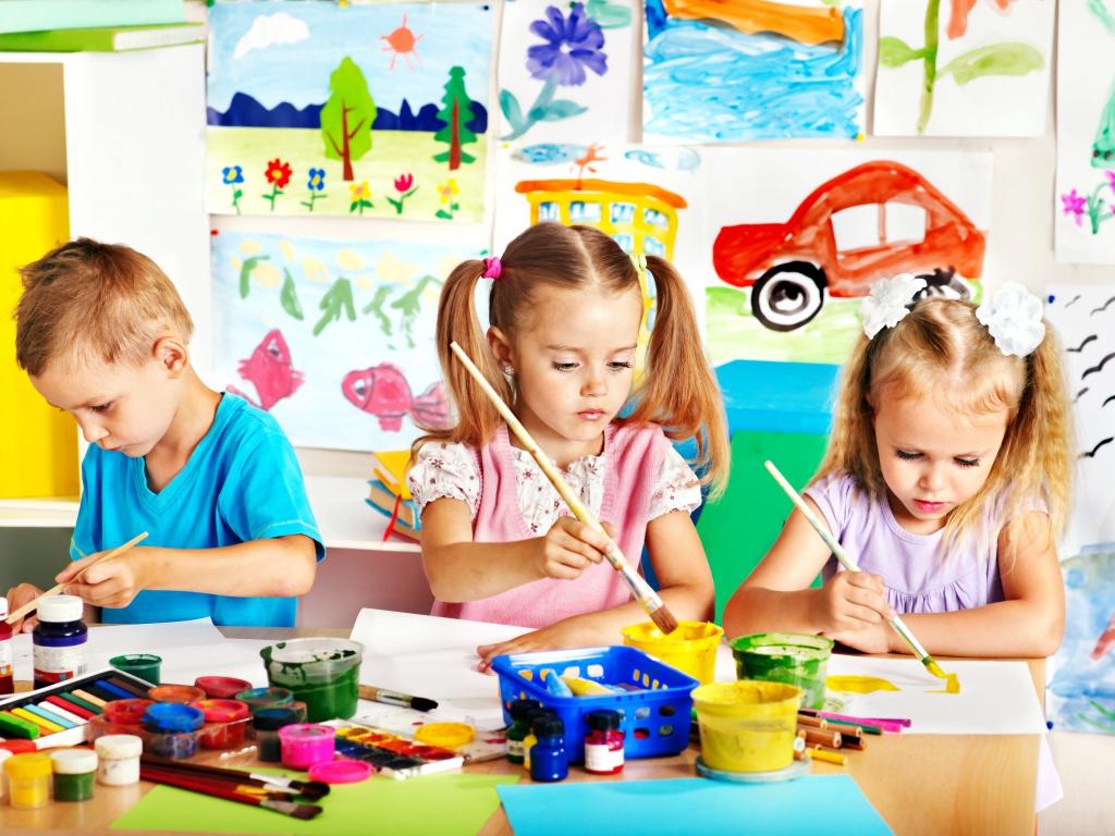 Как научить ребенка рисовать в 4, 5 лет - фото