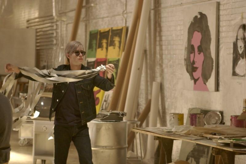 Фильмы про художников и искусство - «Фабричная девушка», 2006