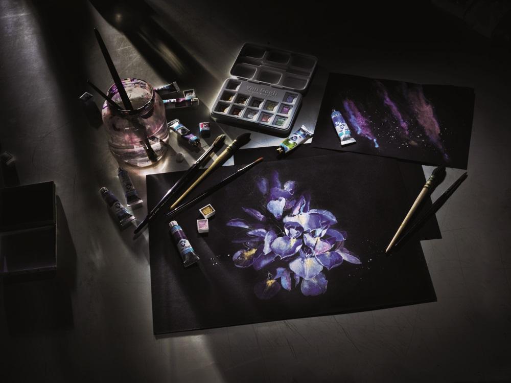 Как и чем рисуют на черной бумаге - акварель - фото