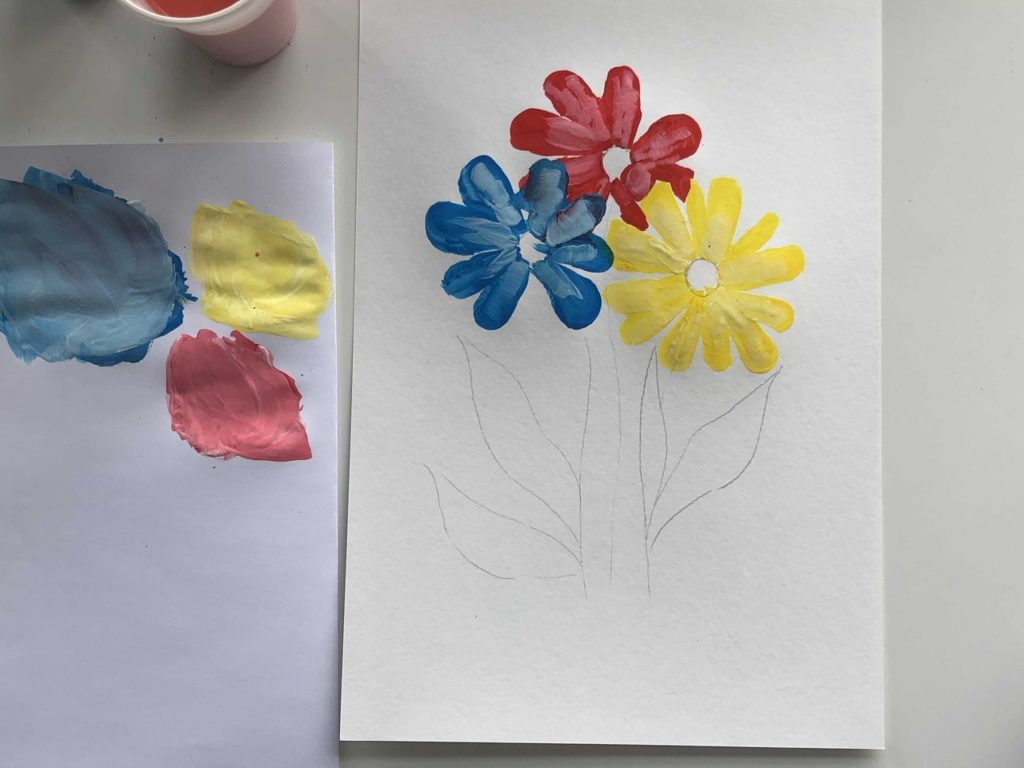 Как научиться рисовать цветы гуашью - этап 2 - фото 1